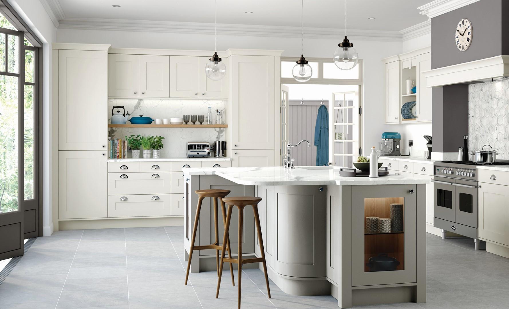 Classic Traditional Kitchen - Georgia Painted Porcelain Stone - Kitchen Design - Alan Kelly Kitchens - Waterford